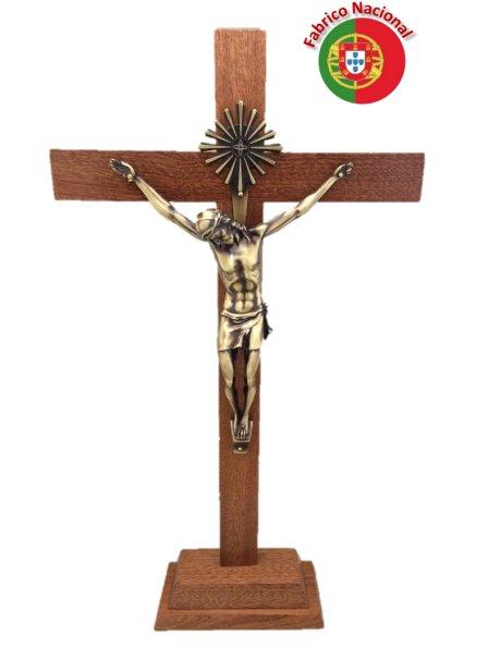 110 - Croix em Bois 44cm a/Base et Christ en Métal